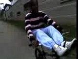 vélo les pied sur guidon pasmal