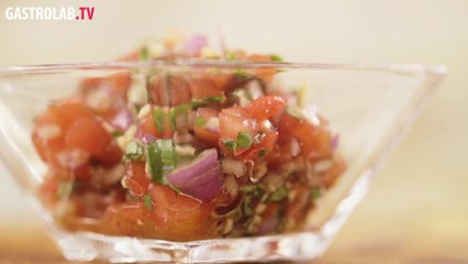 How to Make Tomato, Basil and Garlic Salsa