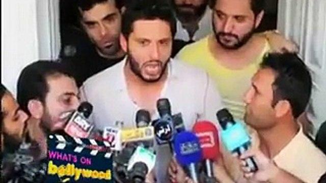 News Videos: Rishi Kapoor Using Shahid Afridi's Name For Threatening Indian Media