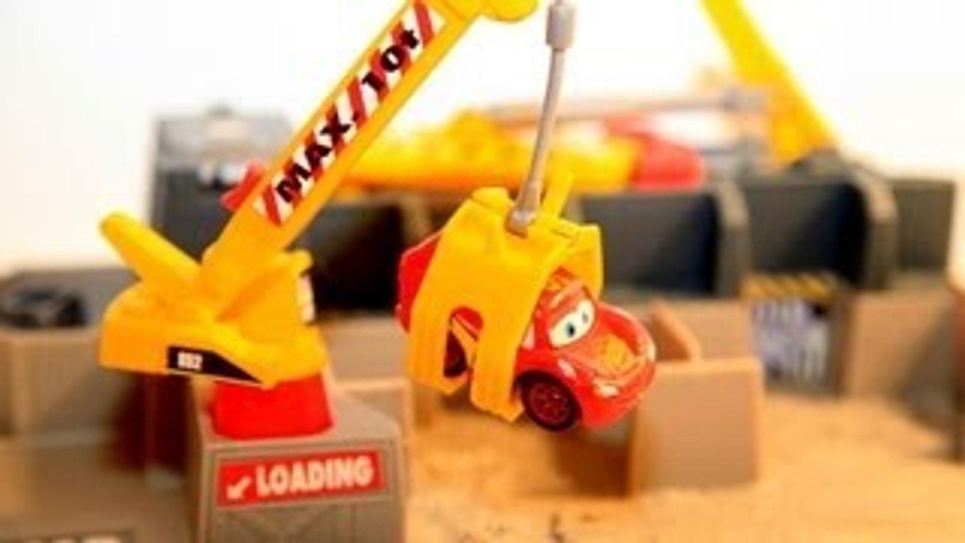 Disney Cars Prank by DisneyCarToys Lightning McQueen Junkyard Car Crusher Car Compactor Pr