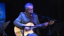 """""""Oh Corse, île d'amour"""" à la guitare avec Jean-Pierre Marcellesi"""