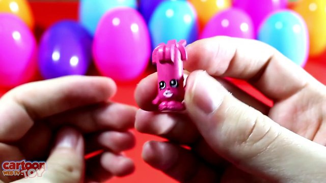Shopkins Surprise Eggs Opening 25 Shopkins Toys
