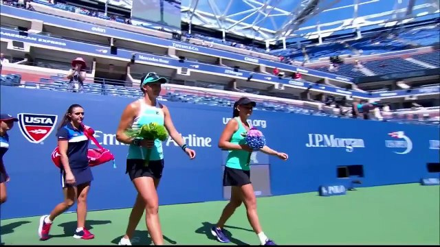 sania mirza and martina hingus in double women us open