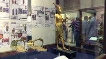 صنادل توت عنخ امون الابرز في معرض الاحذية في مصر القديمة
