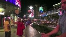 Las Vegas Kissing Prank - Kiss Cam Game
