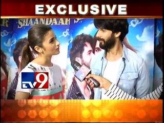 Shahid Kapoor & Alia Bhatt promoting SHAANDAAR on TV9