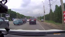 Impatient Driver Takes A Crazy Shortcut Around Traffic! #Viral #ViralVideo