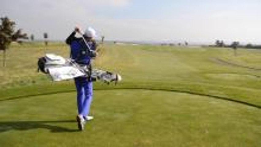 Hilarious Golf Bag On Back Challenge