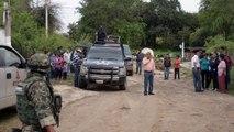 "Residentes huyen por operativos contra  ""El Chapo"""