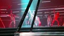 Quand Britney Spears a un problème de fermeture éclair en plein concert