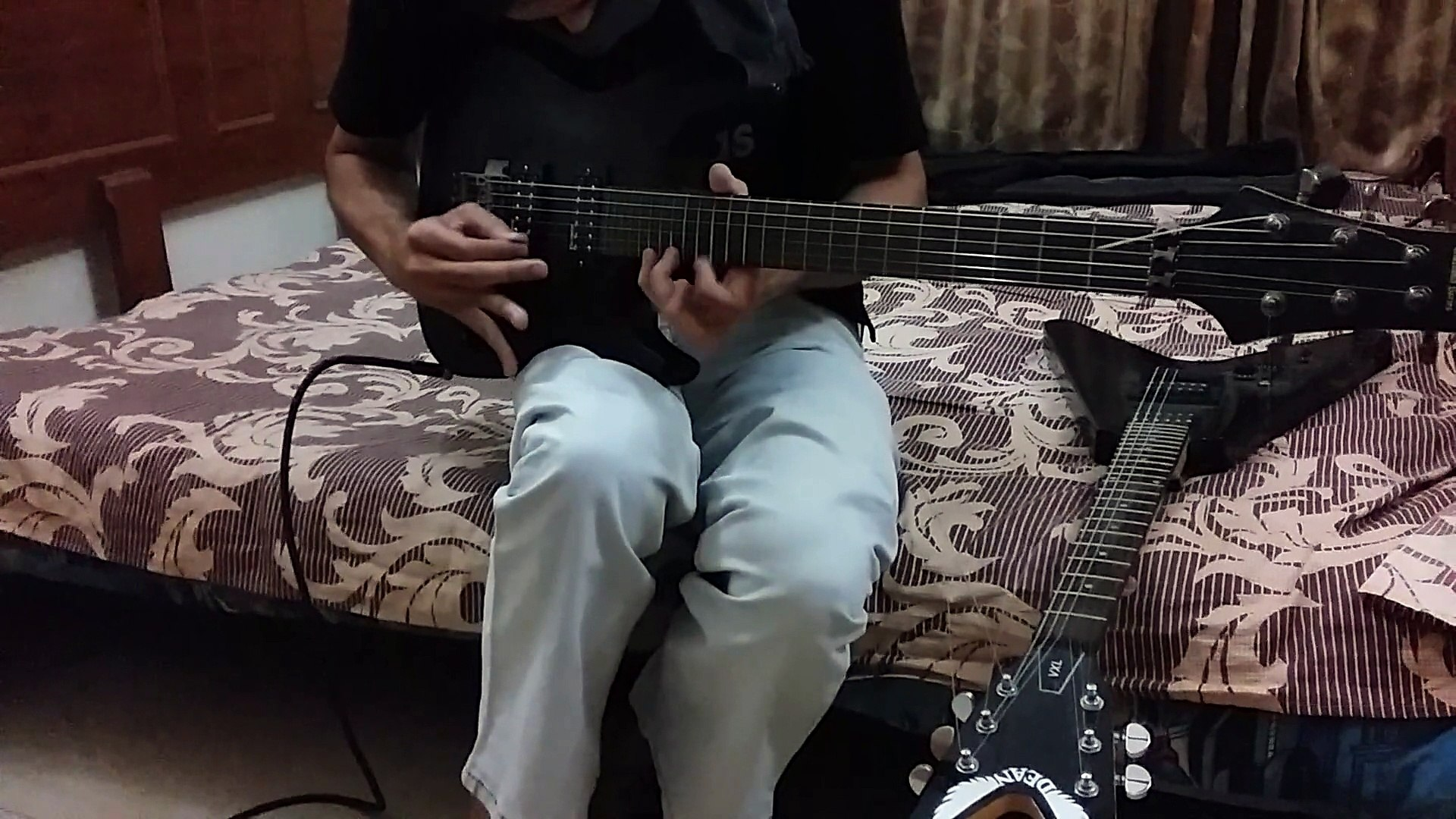 master of puppets solo with both hands