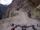 Tour à moto sur la route la plus dangereuse du monde
