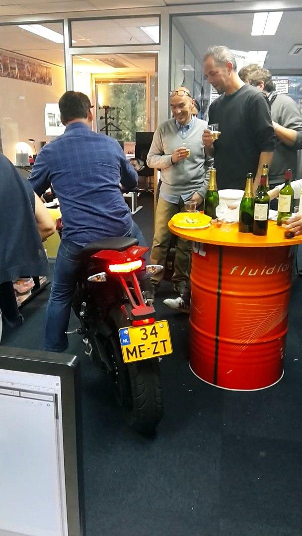 Moto Journal fait burner une moto électrique !