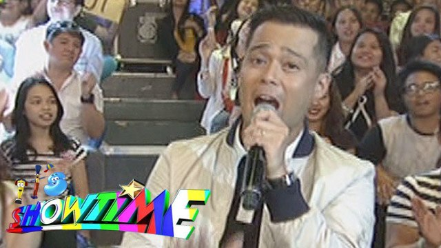 "It's Showtime Singing Mo To: Dingdong Avanzado sings ""Tatlong Beinte Singko"""