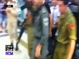 Imagini cu puternic impact emoţional, din Israel. Imigrant împuşcat şi apoi lovit cu picioarele, din greşeală