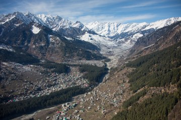 Snowboarding In India - Fredi Kalbermattern Shreds The Himalayas