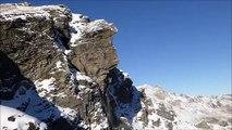 Éboulement impressionnant dans les Alpes Suisses : 2000m3 de rochers se détachent de la montagne.