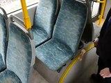 Voici pourquoi les sièges de bus sont toujours très colorés