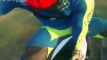 Quand tu laches ta moto en plein saut... Superman raté - FMX rider