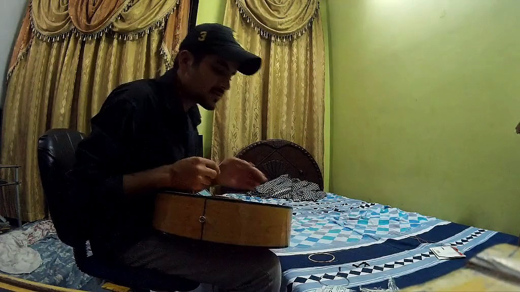 Changing Guitar Strings – just fun video