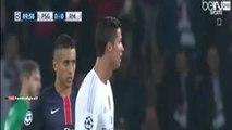 Fan invades the pitch to hug Cristiano Ronaldo - PSG vs Real Madrid 0-0 2015 HD