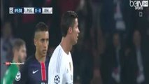 Fan invades the pitch to hug Cristiano Ronaldo PSG vs Real Madrid 21 10 2015
