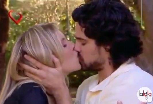 Carla Peterson como Lalola con Luciano Castro