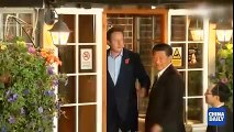 President ‪‎XiJinping‬ was served with Britain's famous ‪‎fishandchips‬ in a traditional English pub with British Prim