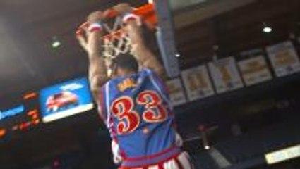 Bull's Swinging Pre-Game Dunk