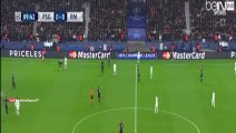 Fan invades the pitch to hug Cristiano Ronaldo - PSG vs Real Madrid