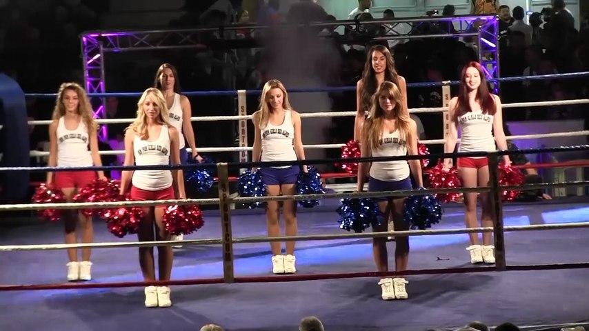 Prestation des pom-pom girls des Alpes lors du gala de boxe du Ring Grenoblois