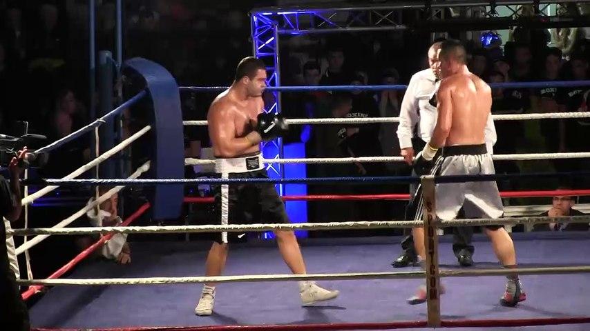 Boxe : Nicolas Salsi et Jovan Kaludjerovic (22/10/2015, Grenoble) highlights