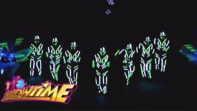 It's Showtime Halo Halloween: Amazing light performance of L.P.P.