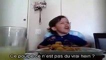 Un Petit Refuse de Manger son Repas, il Explique à sa Mère Pourquoi...