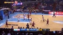 Manny Pacquiao marque son premier panier en pro - Basket