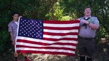 Manuel de survie à l'apocalypse zombie - extrait gore drapeau