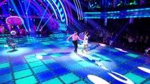 Ce couple degage de l'émotion quand ils dansent
