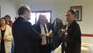 Eric Prigent, maire de Botmeur, reçoit JY Le Drian