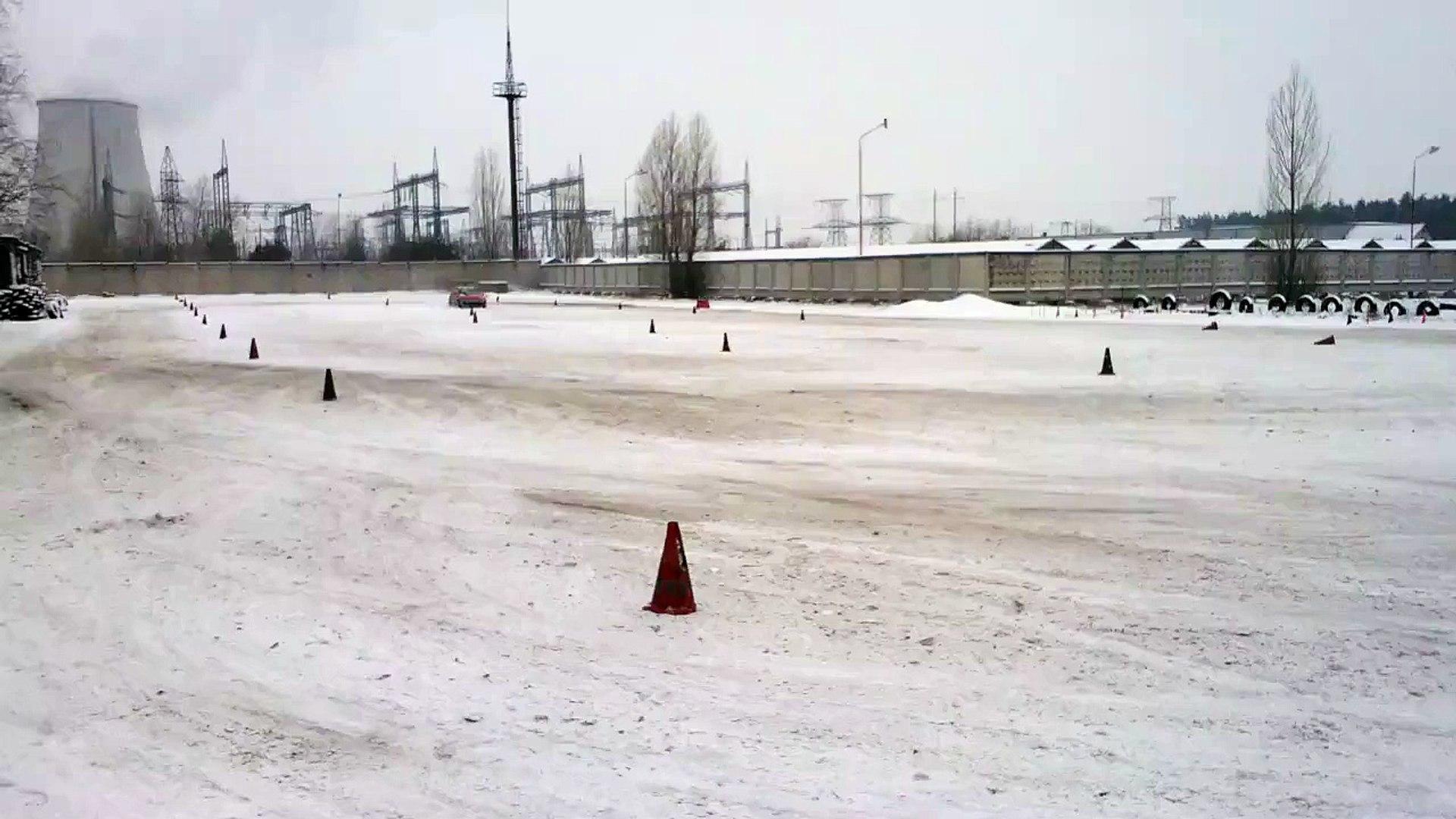 Зимняя тренировка в Центре вождения 'Карбон' www.carbon.co.ua