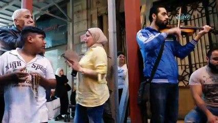Arapça ezgiler Suriyeli kadını gözyaşlarına bağdu