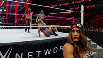 Charlotte vs Brie Bella - WWE Raw 10/19/15