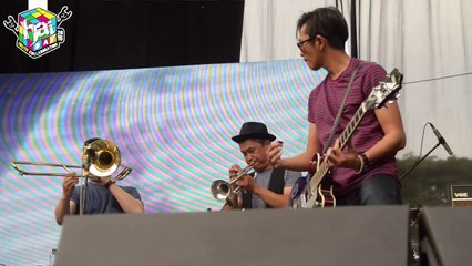 MOCCA - Stars in Your Eyes live at #HaiDay2015
