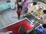 Kids steal mobile phone, laptop within moments, watch CCTV footage.