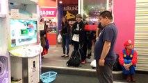Ce Japonais au ventre bedonnant est un pro à Dance Évolution Arcade...