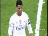 Real Madrid CF vs Paris Saint Germain FC - Cristiano Ronaldo Talks To Laurent Blanc