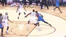 Russell Westbrook Throws an Assist Off Dwight Howard's Head
