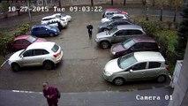 Régis russe fait demi tour dans un parking