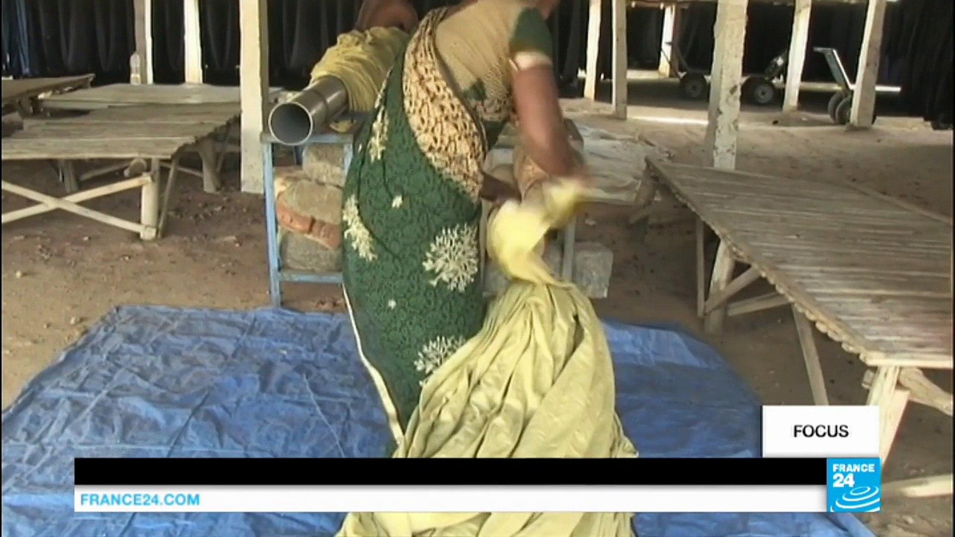 sites de rencontres à Tirupur crochet du projecteur jusqu'au téléphone