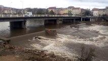 Crue Gardon d'Alès au pont neuf novembre 2015