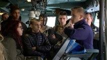 Visite de la Base Navale de Toulon par des lycéens apprentis en restauration.